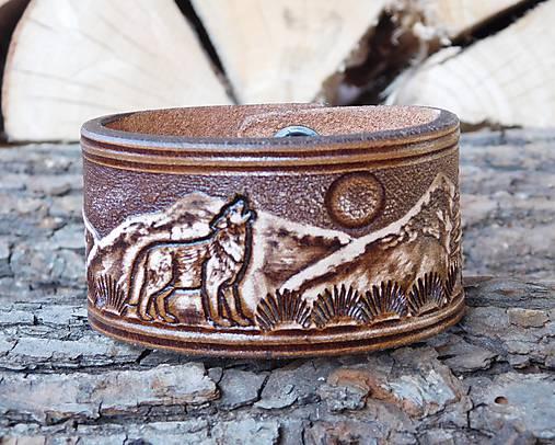 Kožený náramok - Vlk v horách