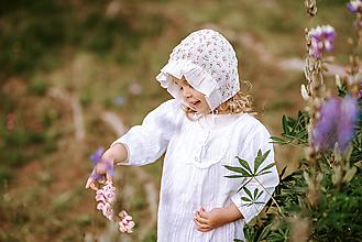Detské čiapky - Ultraľahký čepček batist kvietkovaný - 12176623_