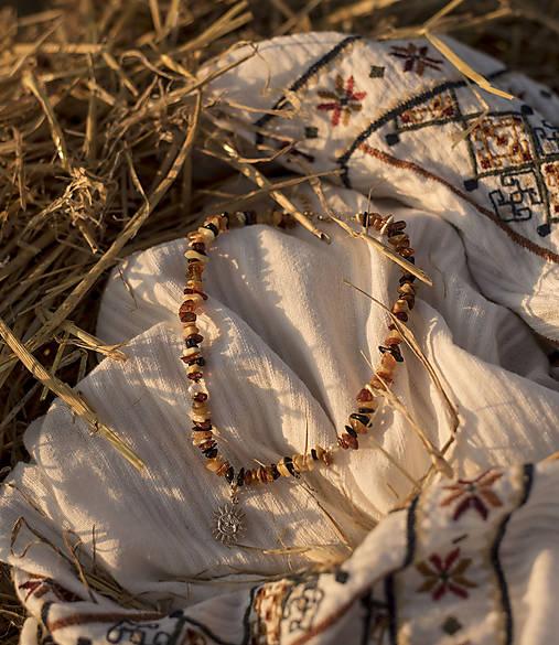 Slnkom pobozkaná náhrdelník