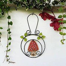 Dekorácie - Muchomůrka v kolečku červená dekorace - 12177473_