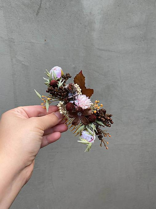 """Kvetinový hrebienok """"bozk v listí ukrytý"""""""