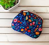 Peňaženky - Peňaženka XL Farebné kvietky na modrej - 12180958_