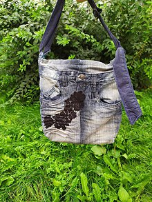 Kabelky - Denim kabelka s čiernym motívom - 12184174_