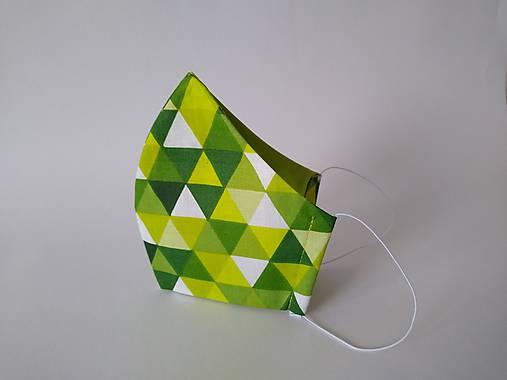 Dizajnové rúško trojuholníky zelené tvarované dvojvrstvové