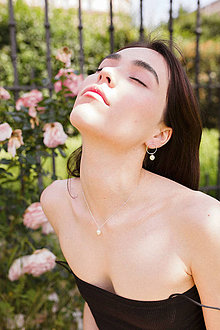Sady šperkov - Strieborný set - náušnice a náhrdelník s perlou - 12186369_