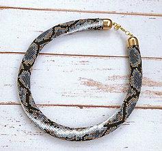 Náhrdelníky - Háčkovaný náhrdelník Pytón - 12186178_