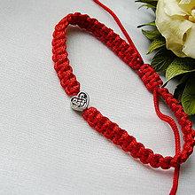 Náramky - Makramé náramok- srdce - 12188820_