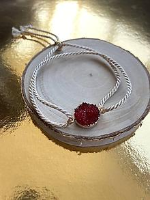 Náramky - Červená drúza na béžovém laně - 12187749_
