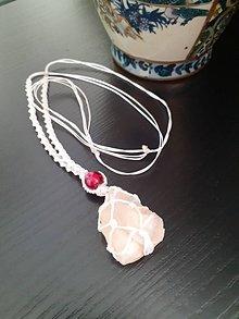 Náhrdelníky - Amulet macrame s vinutou perlou - 12190721_