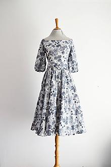Šaty - Šaty s bohatým vyšívaným dezénom kvetov - 12192760_