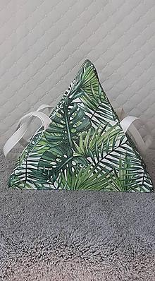 Kabelky - Trianglová dizajnová kabelka – Tropické lístie - 12194329_