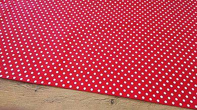 Textil - Bavlnená látka - Bodky biele na červenom 6 mm - cena za 10 centimetrov - 12195432_