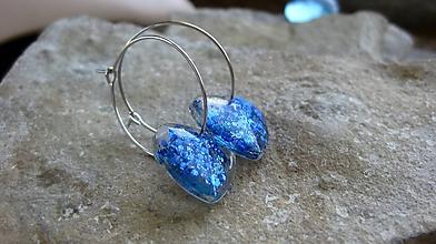 Náušnice - Kruhy (s modrými trblietavými srdiečkami, č. 3272) - 12195566_