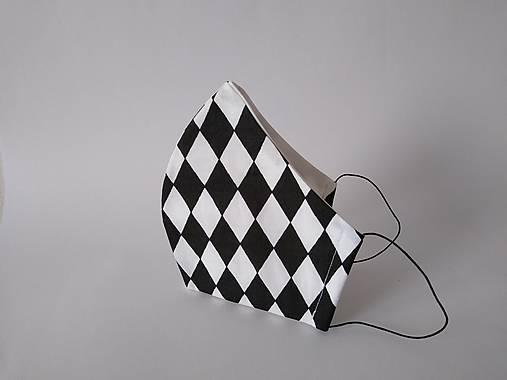 Dizajnové rúško kosoštvorce tvarované dvojvrstvové