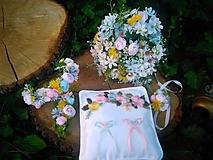 """Pierka - vankúšik na obrúčky  z kolekcie """"romantika z lúky"""" - 12196617_"""