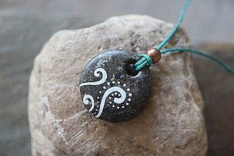 Náhrdelníky - Paprade (kamenný prívesok) - 12197215_