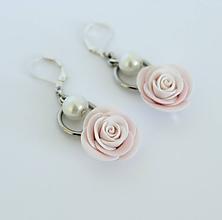 Náušnice - Visiace náušnice Ruže a perly - 12198402_
