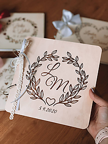 Papiernictvo - Svadobná kniha hostí, drevený fotoalbum - Venček lístkový - 12200030_