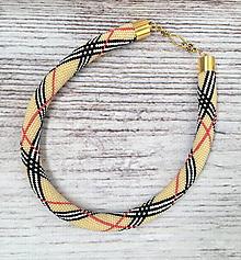 Náhrdelníky - Háčkovaný náhrdelník  v štýle Burberry - 12200561_