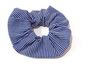 Ozdoby do vlasov - Gumička scrunchie - modrá pásikavá - 12199985_