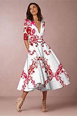 """Šaty - FLORAL FOLK """" Slovenská ornamentika """", spoločenské šaty v dĺžke midi (biela + malinový akvarel kosoštvorec) - 12202896_"""