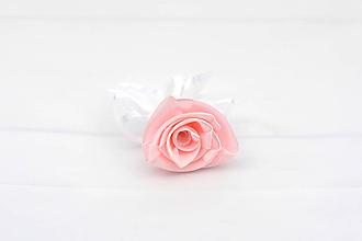 Pierka - Pierko na želanie ku kytici Lovely - 12202605_