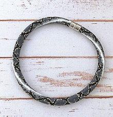 Náhrdelníky - Háčkovaný náhrdelník Pytón - 12202889_