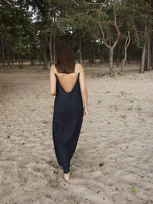 Šaty - Open back dress in dark blue - 12202933_