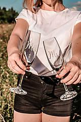 Nádoby - Svadobné poháre - sklenené Mr. a Mrs. - 12205497_