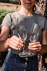Nádoby - Svadobné poháre - sklenené Mr. a Mrs. - 12205505_