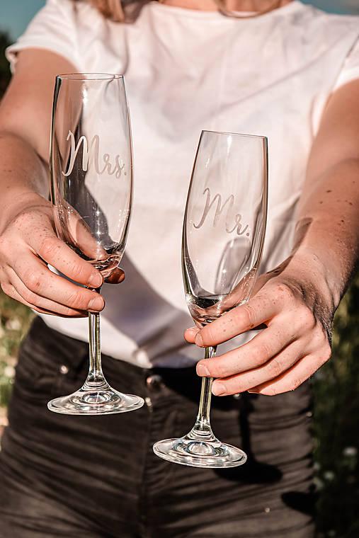 Svadobné poháre - sklenené Mr. a Mrs.