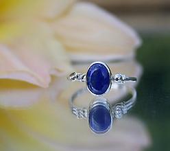 Prstene - Strieborný prsteň s lapisom lazuli - 12209406_