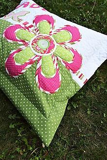 Úžitkový textil - Vankúš s menom a kvetom - 12214616_