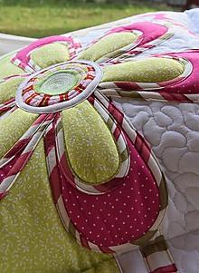 Úžitkový textil - Vankúš s menom a kvetom - 12214642_