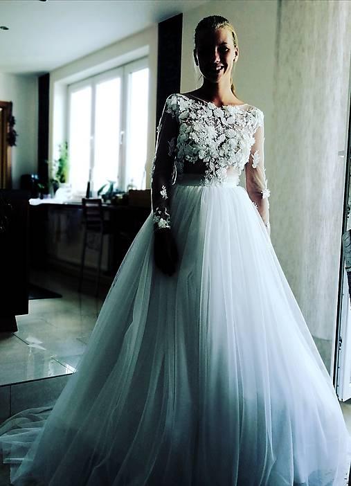 Romantika Dominika, svadobné šaty