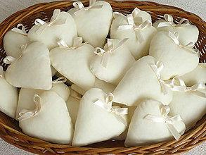 Darčeky pre svadobčanov - Mini-srdiečka ,levanduľové - 12215236_