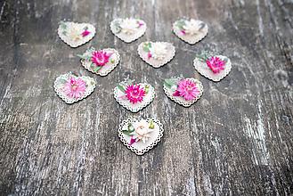 Darčeky pre svadobčanov - Kvetinové srdiečka - 12214757_