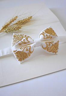 Doplnky - Svadobný motýlik bielo-zlatý - 12215820_