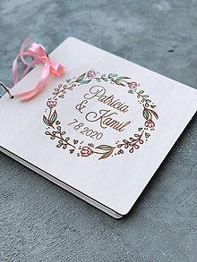 Papiernictvo - Svadobná kniha hostí, drevený fotoalbum -  venček16 - 12218700_