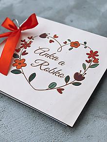 Papiernictvo - Svadobná kniha hostí, drevený fotoalbum -  venček17 - 12218707_