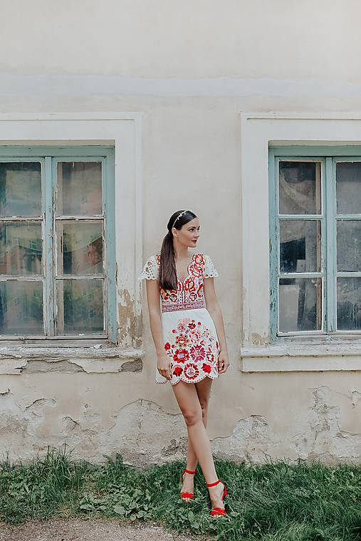 Šaty - krátke vyšívané šaty Poľana - 12222244_