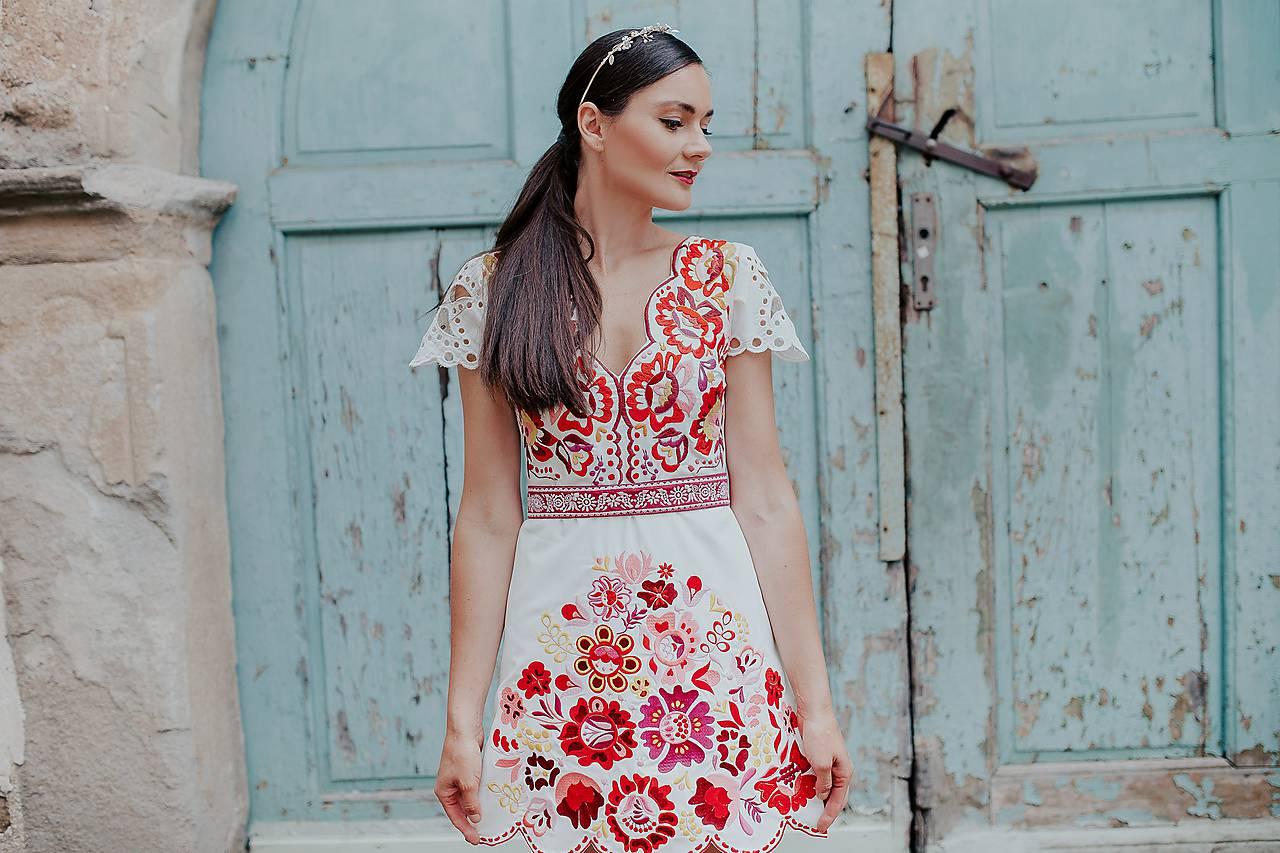 krátke vyšívané šaty Poľana