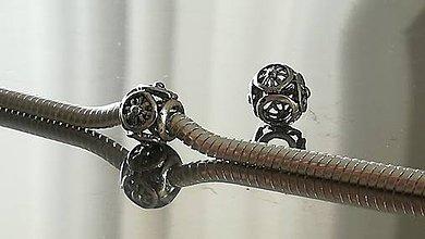 Korálky - Ozdobná kovová korálka a la PANDORA  (8x8mm - Strieborná) - 12223267_