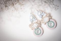 Náušnice - Pastelová Mona - soutache earring - ručne šité šujtášové náušnice - 12223779_