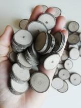 Dekorácie - Drevené kolieska mini (priemer 2 - 3 cm) - 12223193_