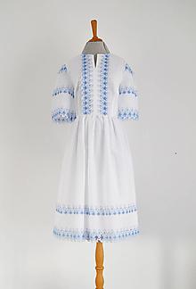 Šaty - Bavlnené šaty s madeirovou modrou výšivkou - 12227127_