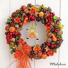 Dekorácie - jesenný veniec so strašiakom - 12229151_