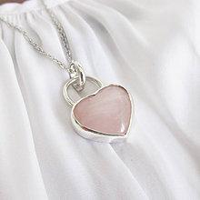 Náhrdelníky - Október: Nežné srdce / ruženín (Hladké) - 12228620_