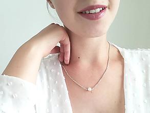 Náhrdelníky - Strieborný náhrdelník s perlou - 12232186_