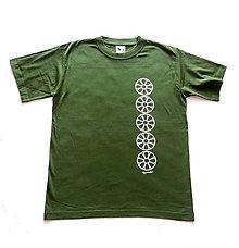 Tričká - Pánske tričko s folklórnym motívom, zelené - vertikálny vzor - 12232976_